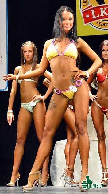 http://img.fitnes.lv/bikini_model_122981.jpg