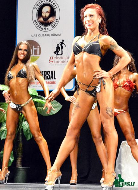 http://img.fitnes.lv/bikini_model_39013.jpg