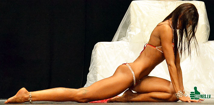 http://img.fitnes.lv/bikini_models_0318.jpg