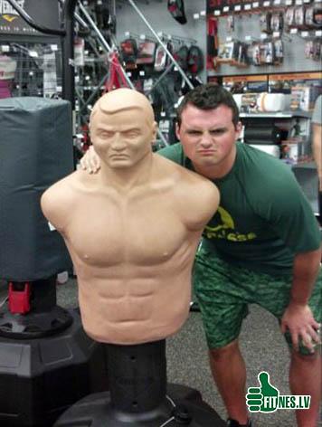 http://img.fitnes.lv/boxing_humor_90347.jpg