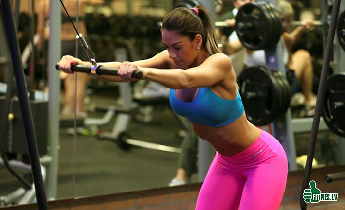 http://img.fitnes.lv/fitness_babes_462990.jpg