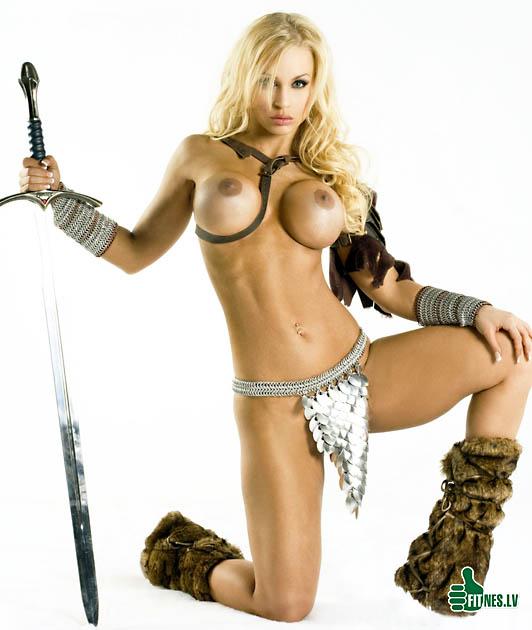http://img.fitnes.lv/konan_nude_5925.jpg