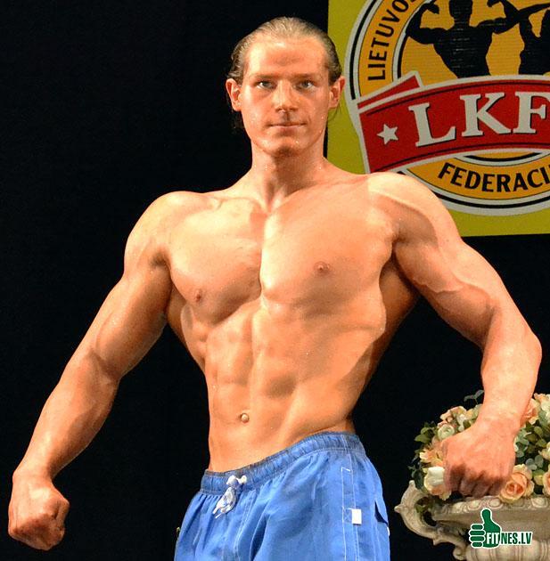 http://img.fitnes.lv/male_fitness_37784.jpg