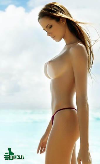 http://img.fitnes.lv/nude_beach_48923.jpg