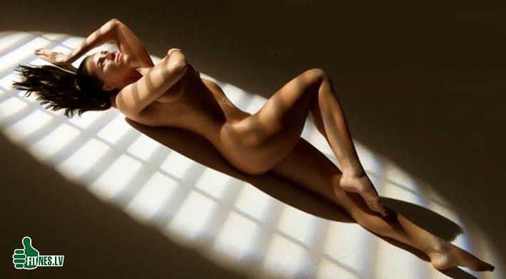 http://img.fitnes.lv/nude_fitness_46283.jpg