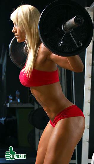 http://img.fitnes.lv/powerlifting_babes_48051.jpg