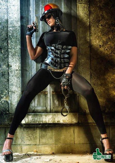http://img.fitnes.lv/sexy_police_34126.jpg