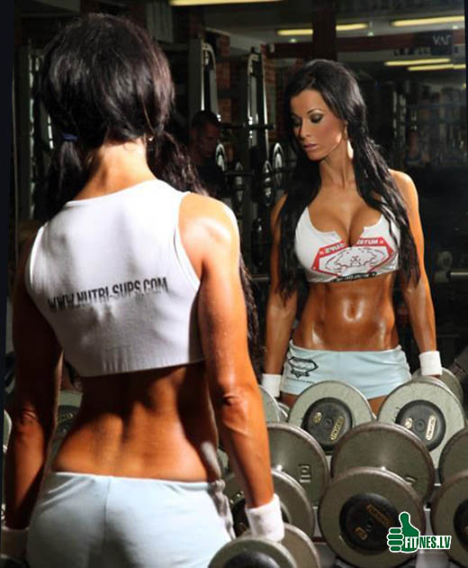 http://img.fitnes.lv/strong_sexy_girls_378.jpg